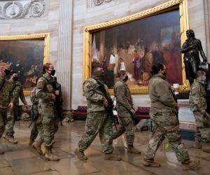 Los militares se tomaron el Capitolio para evitar que se presente una nueva irrupción civil.