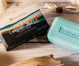 Un jabón vegano, sostenible y en empaque libre de plástico.
