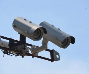 Cámaras de fotomultas en Santa Marta estarían reportando comparendos a conductores con papeles vigentes.