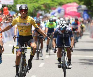 Nelson Soto se impone en la meta en Yopal.