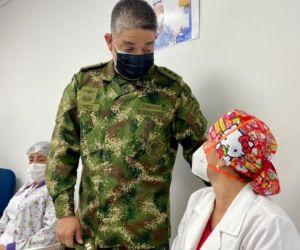 Vacunación a militares.