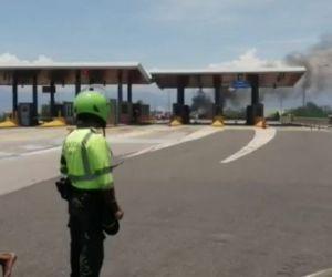 Se produjo bloqueo de vías y quema de peajes.
