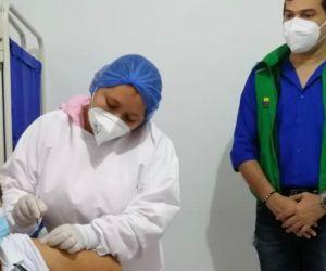Inicia vacunación para agentes educativos y madres comunitarias del Icbf.