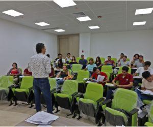 Con beneplácito, los profesores de la Alma Mater, recibieron la renovación de Acreditación Institucional por Alta Calidad.