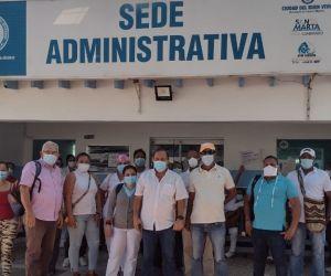 Manifestantes en la ESE Alejandro Próspero.