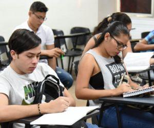 Fortaleciendo conocimientos con miras a los exámenes.