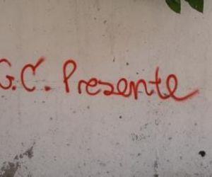Este grafiti apareció en Los Alcázares.