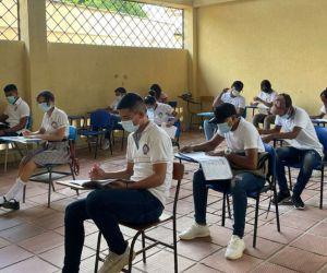 Estudiantes de los 28 municipios no certificados del Magdalena presentan las pruebas.