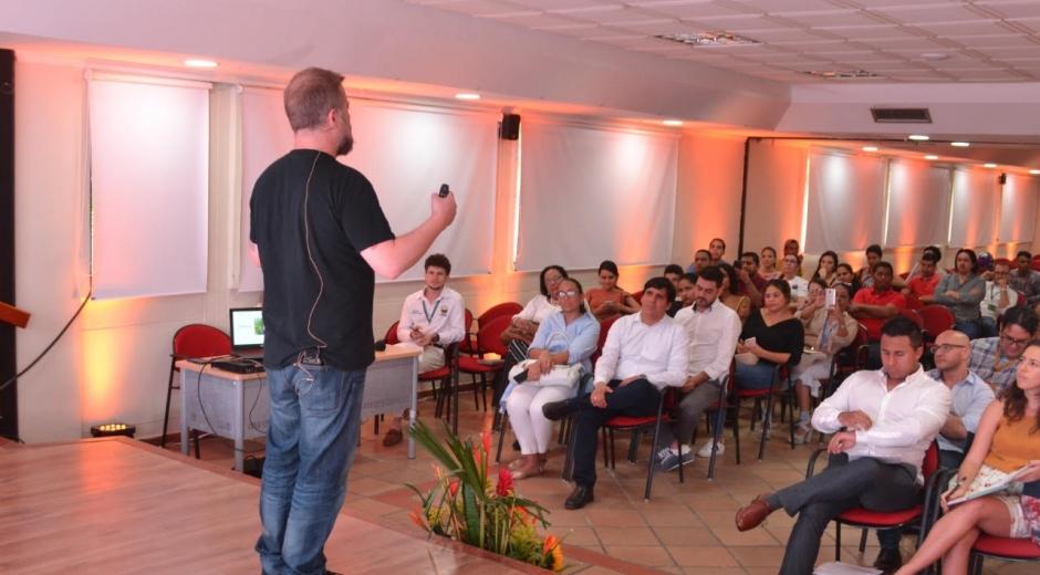 """Fric Martínez habló acerca de 20 pasos que él aconseja seguir para que """"la gente se dedique a hacer lo que le gusta""""."""