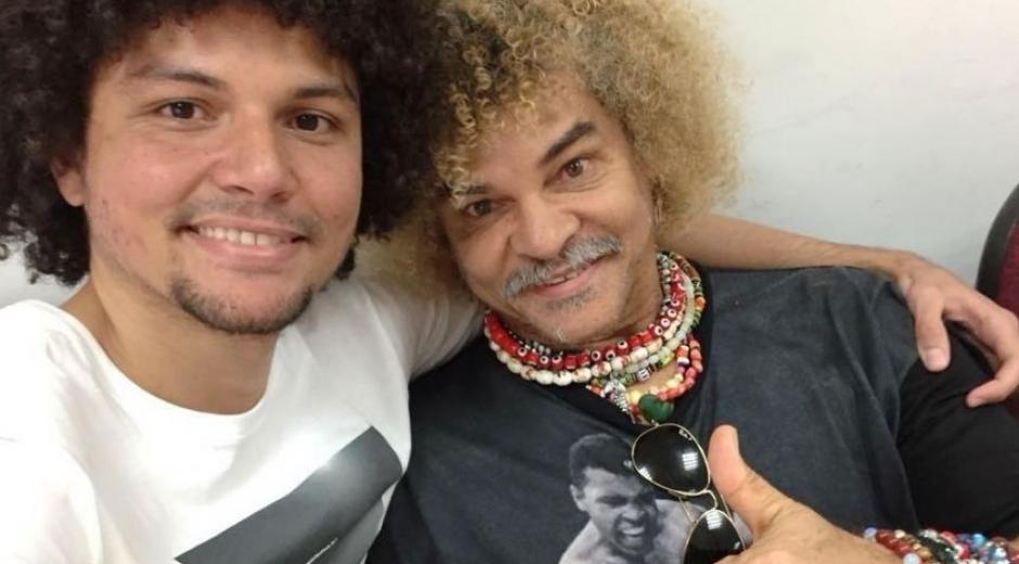 El exjugador Carlos 'El Pibe' Valderrama y su hijo, Carlos Jr. en una selfie