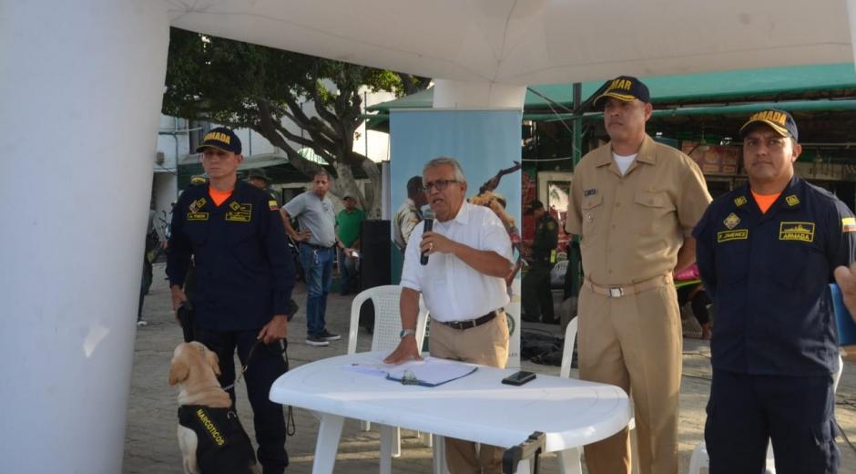 El secretario de Gobierno Distrital, Adolfo Bula, y autoridades del Distrito