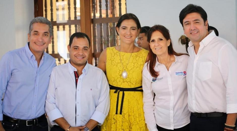 La representación del Magdalena, en compañía de la ministra Ángela María Orozco.