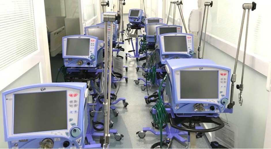 Equipos médicos entregados en centros asistenciales de Santa Marta.