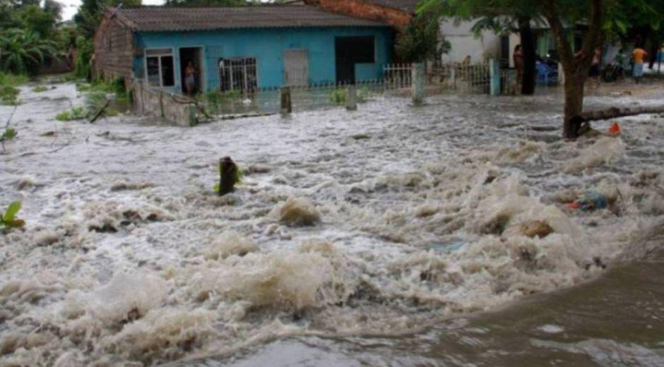 El Fenómeno de la Niña en Colombia genera estragos de inundación.