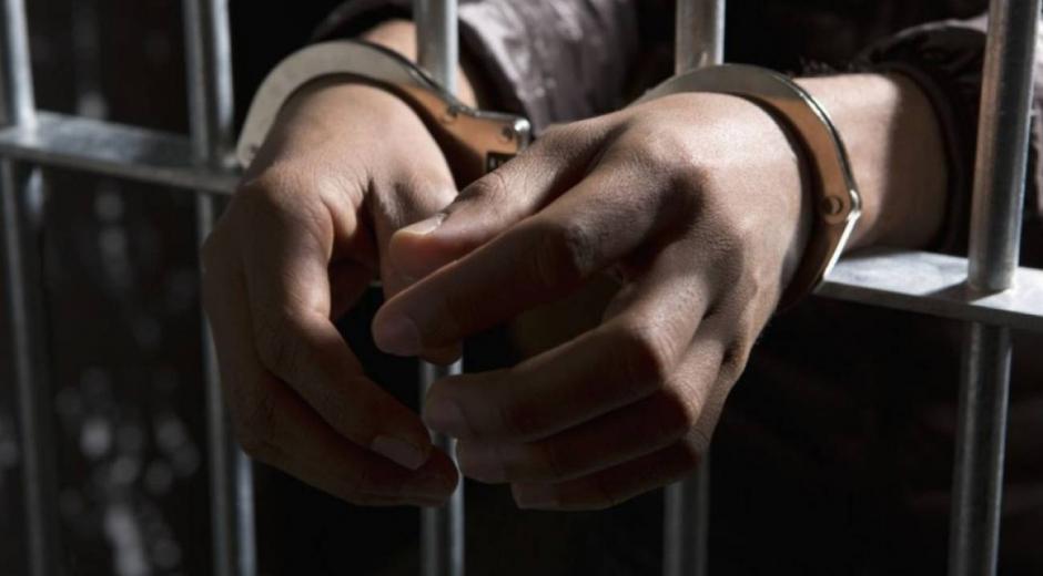 El Juzgado con funciones de conocimiento condenó al investigado por los delitos de acceso carnal con menor de 14 años en concurso con actos sexuales en menor de 14 años.