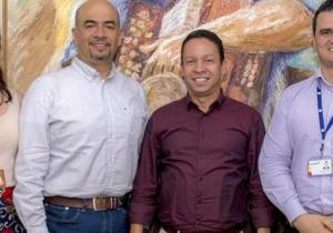 Directivos de la Universidad del Magdalena y el Grupo Bancolombia se reunieron en Santa Marta.