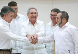 Esta imagen histórica puso a los colombianos a pensar en la posibilidad de la paz.