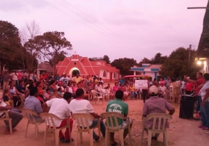 Debido a la situación generada por la presencia de burdeles y bares en Carreto, la comunidad ha organizado sendas asambleas en el sector para exigir acciones a la Alcaldía de El Piñón.